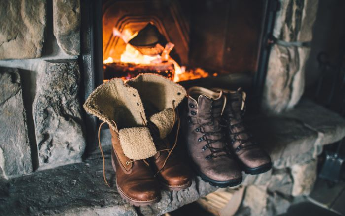 how to dry boots quickly